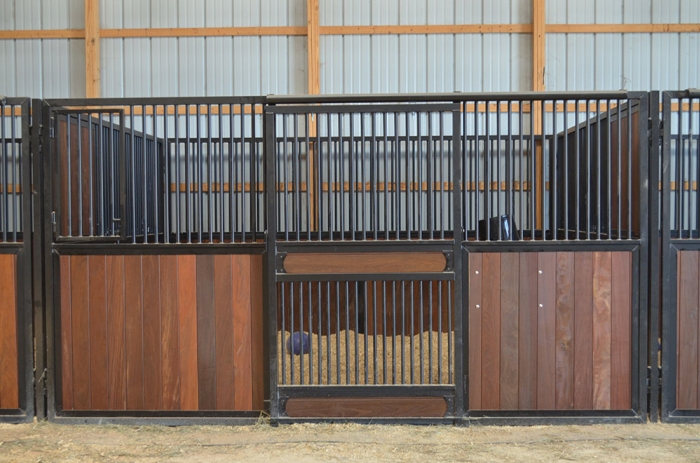Stall Front No. 3Y - Sliding stall door with vertical wood load, hinged feed door, and full grill door